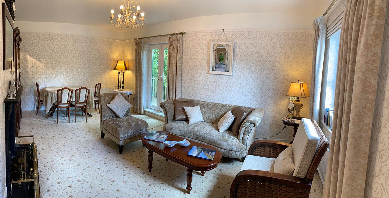 Rivers-Edge-Guest-Lounge-Bed & Breakfast in Glengarriff